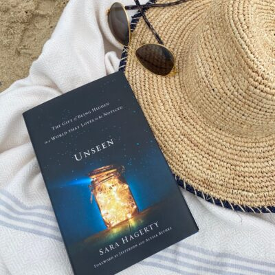 Summer Reading UNSEEN in the beach bag